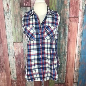 NWOT Plaid white red and blue 100% cotton Size Med